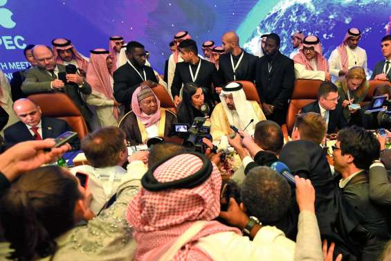 Inquiétudes de Ryad et d'Abou Dhabi sur une hausse des stocks de pétrole