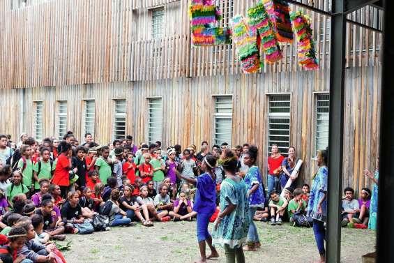 Un apprentissage bien vivant des langues au collège de Païamboué