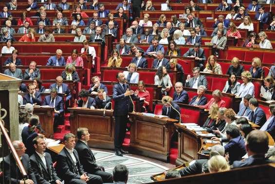 Le Parlement adopte le projet de réformedu statut d'autonomie