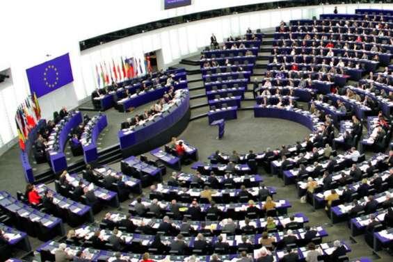 Rendez-vous aux urnes dimanche pour l'Europe
