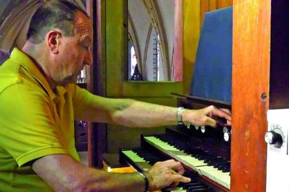 Maurice Clerc fait vibrer l'orgue de Saint-Joseph