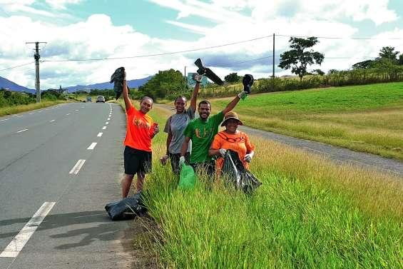 La Team Cewe continue le nettoyage des routes