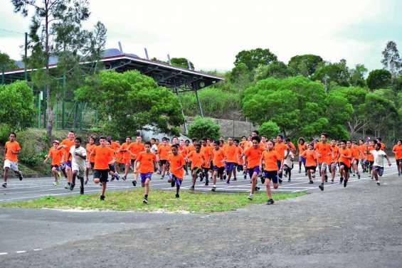 La semaine sportive du collège Ondémia conclue par un cross et une flash mob
