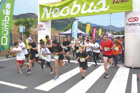 Plus de 250 coureurs découvrent le tracé du Néobus