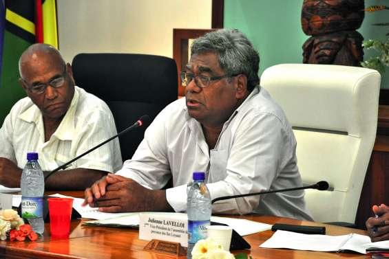« La province est en retard par rapport  aux développements institutionnels »