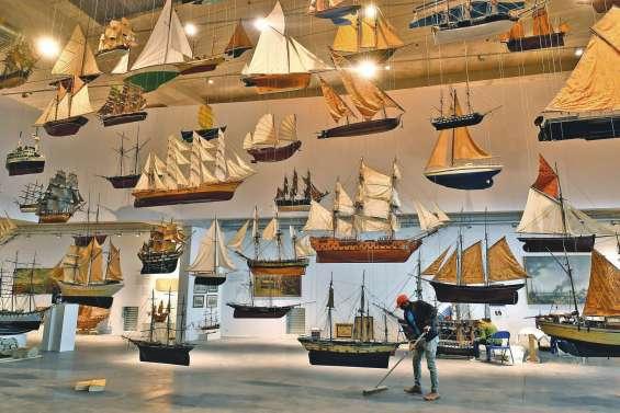 Mise à flot à Bordeaux du MMM, un musée dédié à la mer