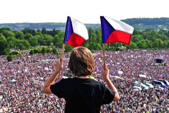 Manifestation à Prague contre le Premier ministre