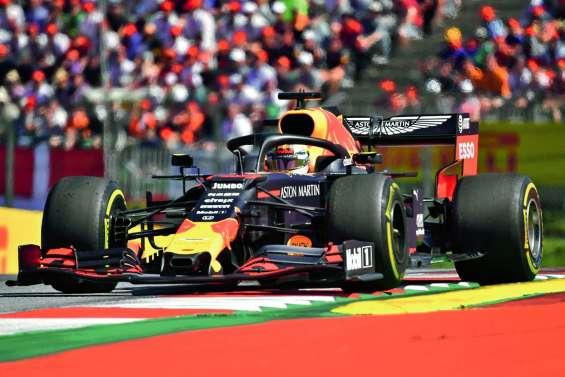 Max Verstappen vainqueur au culot devant Charles Leclerc