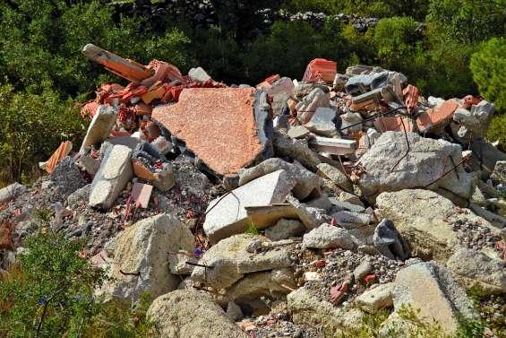 Un seul mot d'ordre : trier, recycler, réparer, consigner