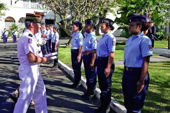 Onze gendarmes volontaires entrent en fonction