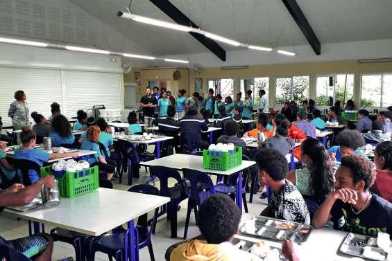 Le Nautile d'argent remis aux élèves de l'internat provincial