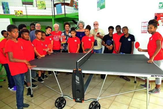 Deux tables de ping-pong offertes à l'internat provincial