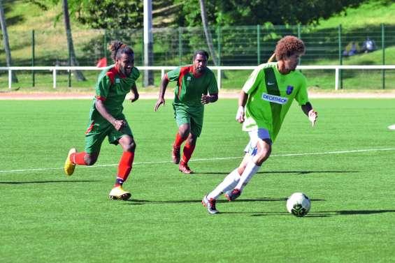 Huitièmes de finale de la Coupe, Dumbéa et Saint-Louis qualifiés
