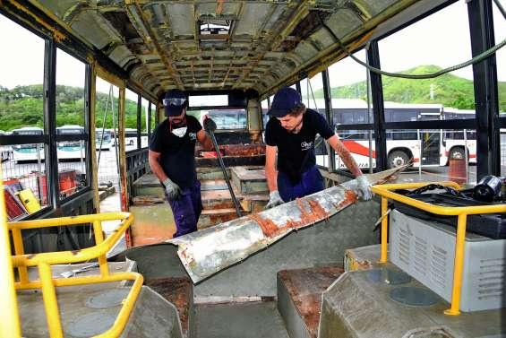 Se former tout en recyclant des autobus