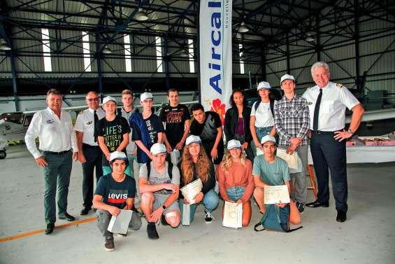 28 lycéens font leurs premiers pas dans l'aéronautique