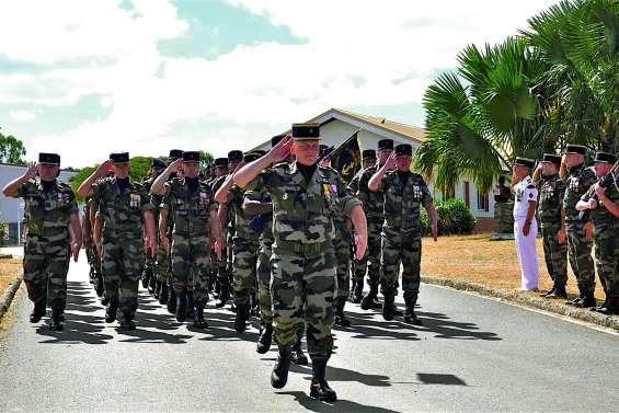 Passation de commandement au sein du RSMA