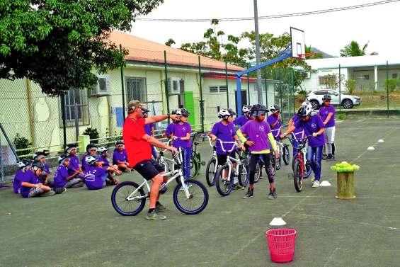 Faire du vélo, ça s'apprend aussi à l'école