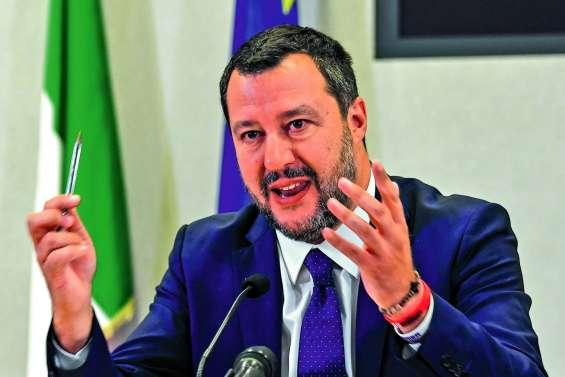 Salvini met fin à la coalition et réclame des législatives