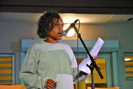 La poésie chantée s'invite à la médiathèque