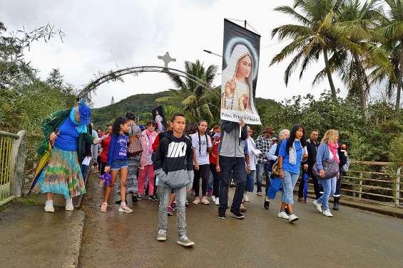 Des milliers de pèlerins de l'agglomération guidés par la foi jusqu'à La Conception