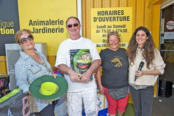 La Bande à nounou a récolté environ 300 kilos de croquettes, dimanche