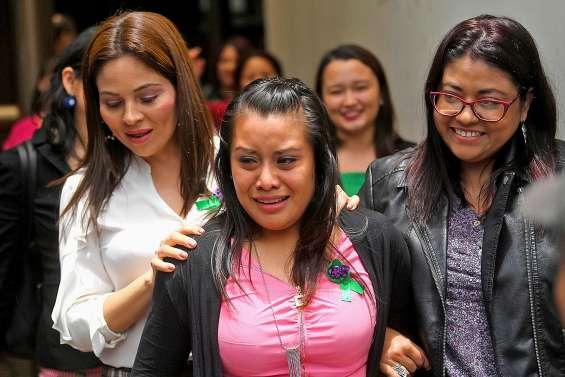 Evelyn Hernandez acquittée, l'arsenal anti-IVG reste intact