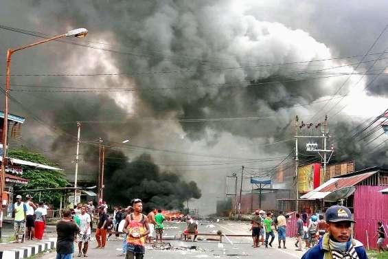 Emeutes en Papouasie,un parlement régional brûlé