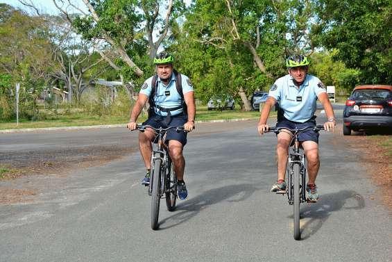 Les gendarmes patrouillent maintenant à vélo