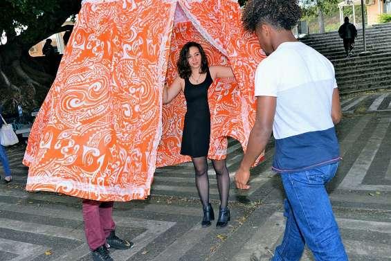 Une « patrouille de parapluies » à Jules-Garnier