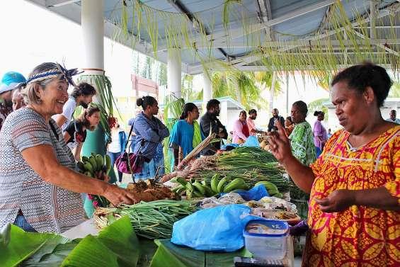 Un premier grand marché réussi à Héo