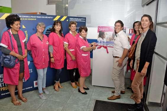 Les Mamans roses inaugurent leur première borne de collecte de dons