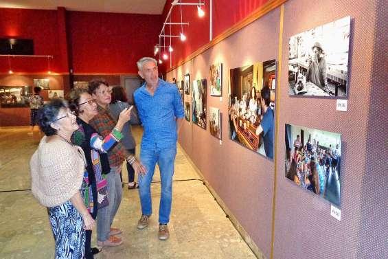 Le Cafédonien s'expose au centre socioculturel