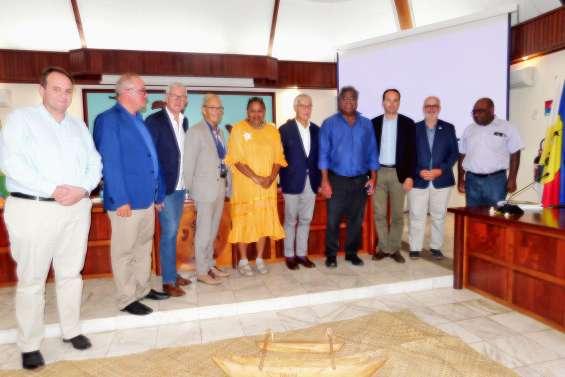 Une délégation sénatoriale  en visite à Lifou