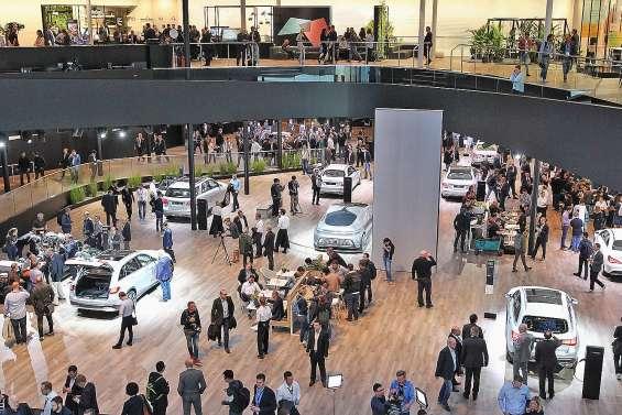 L'industrie automobile allemande panse ses plaies au salon de Francfort