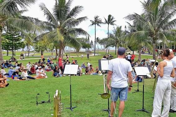 Le Conservatoire a proposé un pique-nique en musique à la Promenade