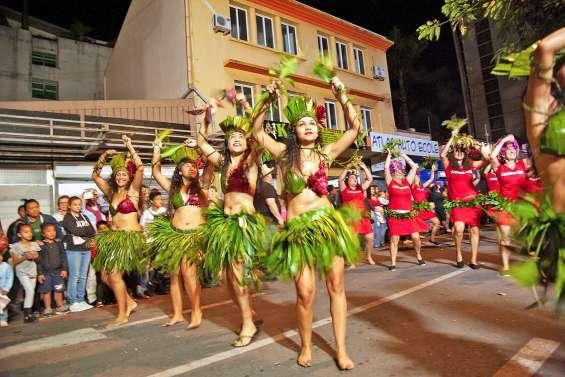 Les danses et les costumes polynésiens à l'honneur lors du défilé
