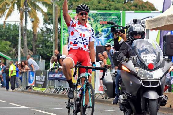 Florian Barket remporte une étape à La Réunion
