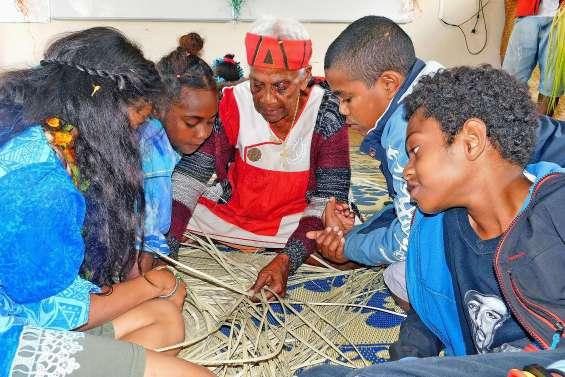 Les élèves des établissements catholiques ont montré tout leur talent à Hnathalo