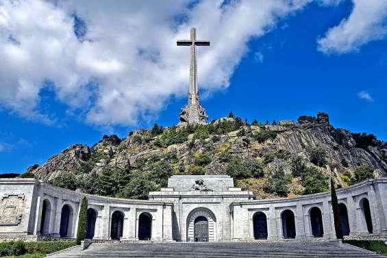 Le feu vert donné à l'exhumation de Franco