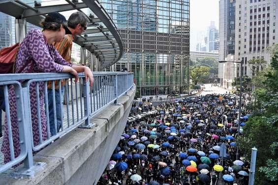 « Journée de chagrin » pour les 70 ans de la Chine populaire