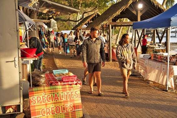 Le traditionnel Pacific market prend ses quartiers à l'Anse-Vata