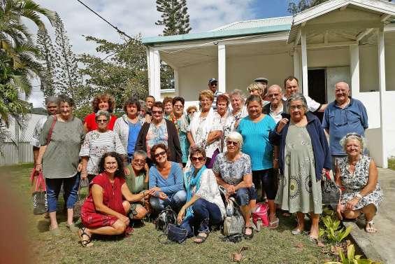 L'association de l'Age d'or en sortie sur Nouméa