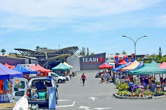 Un samedi au grand marché à Téari