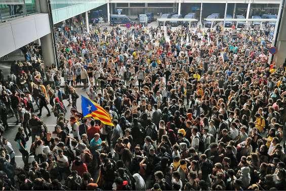 Barcelone en colère après la condamnation des indépendantistes catalans