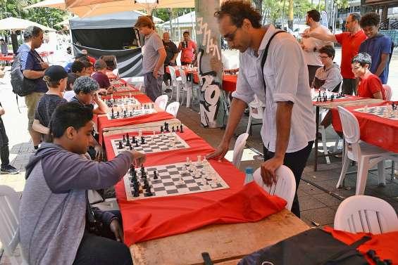 Les échecs à la conquête de la place des Cocotiers