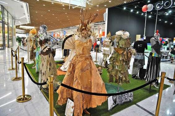 Trois expositions de mode, de photographie et de peinture au Dumbéa Mall