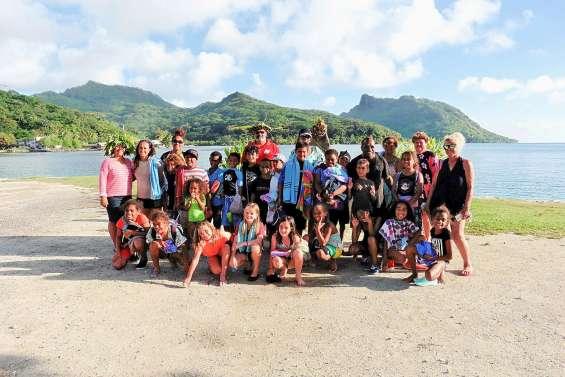 Les écoliers de Boulouaris à la découverte de Huahine