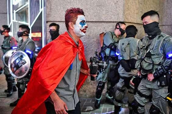 Les manifestants mobilisés pour Halloween