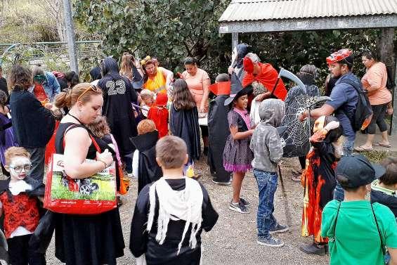 La chasse aux bonbons, de la plaine aux Truies à Tendéa