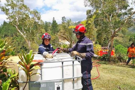 Les pompiers au secours de la pénurie d'eau